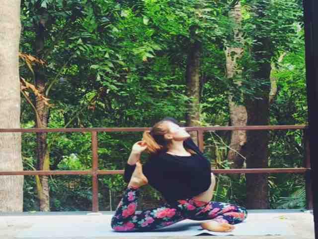 kate vida muito naturalmente yoga