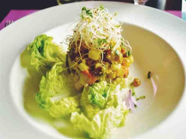 Quente Salada de Feijão com Couves