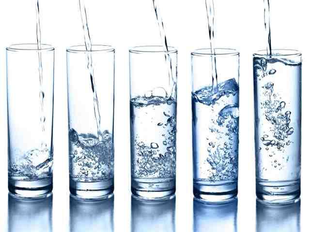 o copo de água